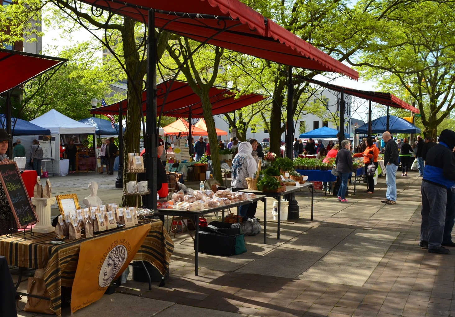 Visit the YLNI Farmers Market in downtown Fort Wayne.